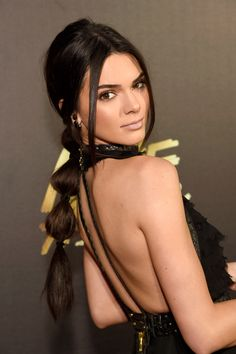 Prepare to Be Completely Obsessed With Kendall Jenner's Bubble Ponytail