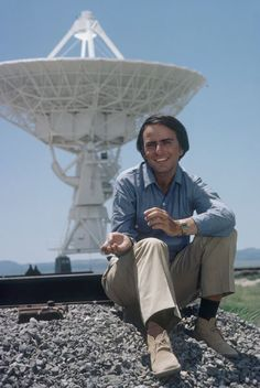 Carl Sagan at the Very Large Array in New Mexico.br /