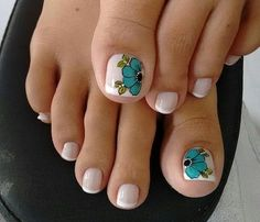 Toe nail art is one of the best ways to make your feet look sexy and interesting. If you are fond of nail art and manicure. Pretty Toe Nails, Cute Toe Nails, Pretty Toes, Love Nails, Diy Nails, Pedicure Designs, Pedicure Nail Art, Toe Nail Designs, Toe Nail Art