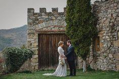 Comencem el dia recordant el bonic casament de dissabte!!  Bon viatge a les antípodes!!   Masia: @elmariner_serratmariner  Deco: @blanc_trencat  Càtering: @restcanjepet  Vestit: @airebarcelona  Dj: @edrfestes . . . . . . . #radlovestories #folkwedding #bohowedding #boho #bohobride #bodaboho #folkwedding #weddingphotographer #fotografobodas #elopement  #slowwedding #belovedstories #destinationwedding #naturalwedding #weddingsart #boholovers #weddingfilm #fotografobodasbarcelona…