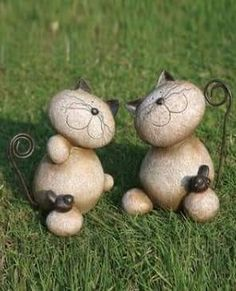 Take a look at this Standing Cat & Bird Garden Figurine Set by Transpac Imports on today! Cat Crafts, Garden Crafts, Diy And Crafts, Stone Crafts, Rock Crafts, Pierre Decorative, Art Pierre, Garden Figurines, Rock And Pebbles