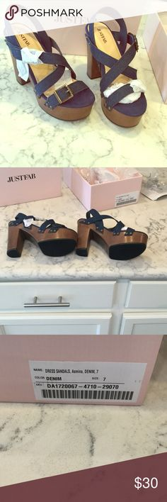 Beautiful 👠  Chunky Heels Sandal. BNIP.  Never worn ! Narrow size 7 in strappy denim. Oh so cute, for Summer ! JustFab Shoes Sandals