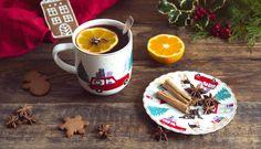 Když chci mít v průběhu zimy po ruce výborné svařené víno kdykoliv, chystám si kořeněný základ předem. S mojí mámou máme už recept tak vychytaný, že se nepouštíme do žádných experimentů a každoročně si vychutnáváme tenhle náš nejoblíbenější. Korn, Christmas And New Year, New Years Eve, Rum, Blog, Cupcakes, Drinks, Tableware, Advent