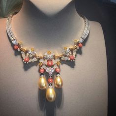 @vancleefarpels #amazing #necklace #pearl #coral #diamonds