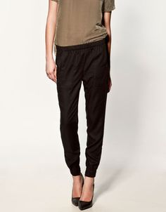 I could never find pants like this to fit me well enough to not look like pjs. :(