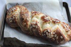 Greek Easter Bread #Easter #bread