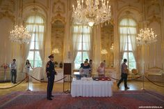 OPEN DOOR AT THE PRESIDENTIAL PALACE - The GRAND HALL