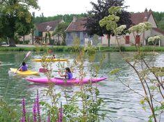 Accompagné par le Gite Loisirs Méry, venez découvrir le canal de la Haute-Seine qui offre le plan d'eau de l'ancien port du canal lieu idéal pour l'initiation, l'apprentissage et le perfectionnement au travers de manœuvres et de jeux. Une descente de la Seine ou de l'Aube concrétisera la progression des jeunes lors de Cycles kayak de plusieurs séances.