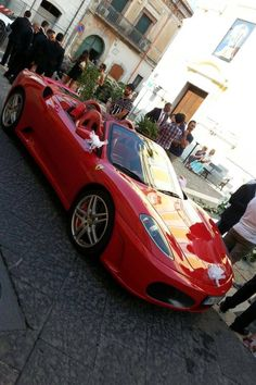Una Ferrari 430 Spider addobbata a festa!!!