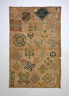 Sampler - early 17th Century - England - silk and metal thread on linen
