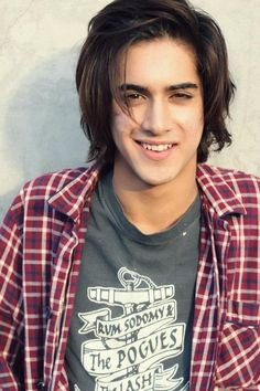 Avan is so smokin hot he's such a heartthrob:)) can he be my boyfriend? :'( meeeeeeep he's such a beautiful beast