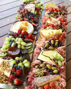 How to make… appetizers;appetizers and desserts christmas;s… How to make… appetizers;appetizers and desserts christmas; Cheese Platters, Food Platters, Party Platters, Cheese Table, Party Trays, Appetizer Sandwiches, Appetizer Recipes, Party Recipes, Fruit Recipes