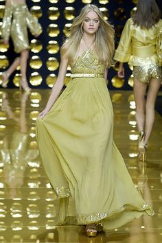 Elie Saab Spring 2007 Ready-to-Wear Collection Slideshow on Style.com