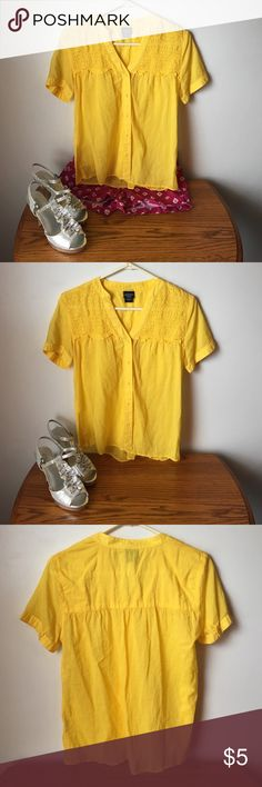 A yellow button up blouse size small A yellow button up blouse by canyon river , great condition size small  take a moment to browse through my closet, bundle and save big  Canyon River Tops Blouses