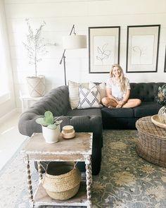Cosy Living Room Warm, Modern Farmhouse, Throw Pillows, Bedroom Makeovers, Instagram, Home, Videos, Photos, Toss Pillows