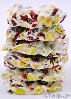 Christmas Bark Recipe (Pistachios and Cranberries) - cup roughly chopped dried cranberries, cup roughly chopped pistachios, 12 oz white chocolate chips. Holiday Baking, Christmas Desserts, Christmas Treats, Christmas Foods, Holiday Treats, Halloween Treats, Holiday Gifts, Candy Recipes, Holiday Recipes
