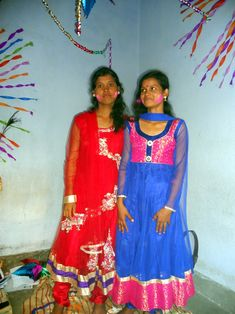 Packing To Move, Indian Girls, Desi, Saree, Fashion, Moda, Fashion Styles, Sari, Fashion Illustrations