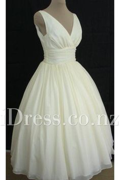 Retro Ball Gown Silk Chiffon V Neck Short Wedding Dress. 50s Style Wedding  Dress50s WeddingElegant ... 9b7cef76eb9c