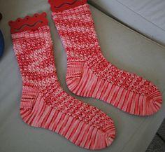 Lacy Ribs Socks pattern by Wendy D. Johnson