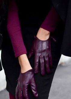 Plum leather gloves
