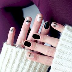Simple Line Nail Art Designs You Need To Try Now line nail art design, minimalist nails, simple nails, stripes line nail designs Black Nails, White Nails, Nagellack Trends, Minimalist Nails, Super Nails, Nagel Gel, Pink Nail Designs, Nails Design, Beautiful Nail Art