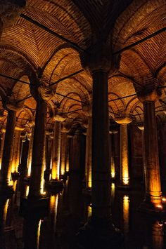 "Basilica cisterns (Yerebatan Sarnıcı), Istanbul ""Lasciate ogne speranza voi ch'entrate."" Chapter 90"