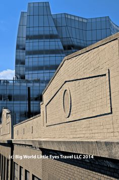 NYC -- High Line...where #NYC's old and new #architecture join up 4 a unique FREE #familytravel experience.