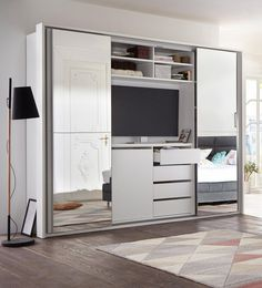 Schwebetürenschrank con TV y Bandeja de Espejo para Synchronöffnung la Mitteltüren, en el Interior de una gran TV de Bandeja, Incl. numerosos Trasteros en el caso de OTTO Schwebetürenschrank con TV y Bandeja de Espejo de comprar Bedroom Tv Cabinet, Bedroom Cupboard Designs, Bedroom Cupboards, Tv In Bedroom, Closet Bedroom, Bedroom Furniture, Furniture Design, Bedroom Decor, Bedroom Ideas