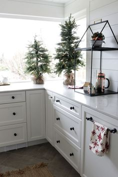 White cabinetry in this Christmas kitchen