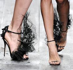 Пролетни обувки от Valentino - Феерична фантазия от дантела и тюл | Белла Донна