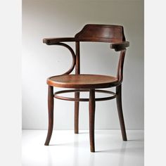 the same chair standing in my kitchen, just gray I'm so proud ,my own thonet, my favourite chair