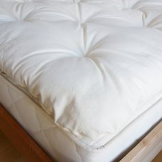 The Wool Topper consists of of soft GOTS certified wool inside that provides comfort and support while encased in a Organic Cotton fabric.Why wool?Natural wool regulates body temperature for comfort in all seasons, Organic Lifestyle, Organic Living, Dust Mites, Memory Foam, Bed Pillows, Organic Cotton, Cotton Fabric, Wool, Canada
