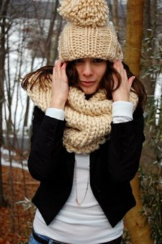 Set Mütze und Loop aus dicker Wolle stricken - schoemstricken.de