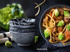 Bestes Rezept für asiatische Soba Nudeln mit Kimchi, Romanesco und Honighuhn
