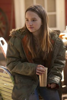 Still of Kaitlyn Dever in Justified (2010)