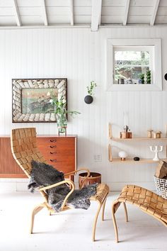my scandinavian home: An idyllic white and wood Scandinavian style cabin Living Room Scandinavian, Scandinavian Style, Affordable Home Decor, Cheap Home Decor, Sofa Next, Living Room Seating, Scandi Style, The Fresh, Cottage Style