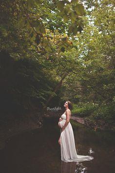 Bloomington-Normal Pregnancy Photographer  - maternity session creek photos
