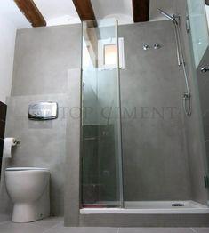 Foto de la renovación de un baño con microcemento en zonas humedas