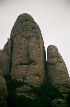 Montserrat Self Promotion, Mount Rushmore, Mountains, Travel, Viajes, Destinations, Traveling, Trips, Bergen