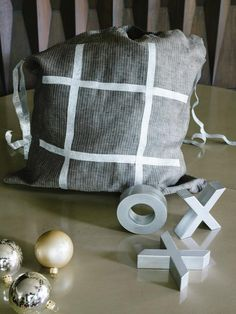 Tic-Tac-Toe on the Go - Homemade Holiday Gifts Under $10 on HGTV