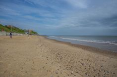 Mundesley Beach #Mundesley #Norfolk #beach #family holiday #sky #clouds #photo #photography #fliiby #images #yyazilim #people #nature