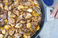 rabbit with garlic recipe Garlic Recipes, Diet Recipes, Cooking Recipes, Rabbit Stew, Barbacoa, Canapes, Cilantro, Entrees, Pork