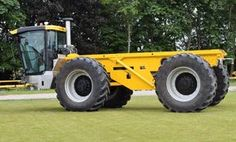 Lite-Trac - the specialist engineering and manufacturing company - has launched a new 'tool carrier' tractor. New Holland, Rubber Tires, Rigs, Ford, Product Launch, Farming, Offroad, Vehicles, Harvest