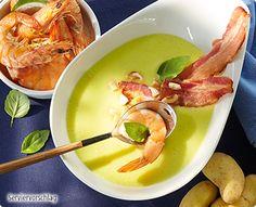 Rezept: Kartoffel-Currysuppe mit rosa Crevetten und Baconchips