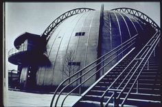 U.S. Steel Building, New York World's Fair, 1939. Note the steps and steel structure on the inside-out building.