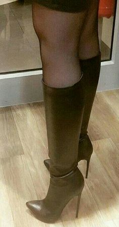 Forever in Style - Beauty and Fashion through the centuries Leather High Heel Boots, Thigh High Boots Heels, Stiletto Boots, Black High Heels, Black Leather Boots, Heeled Boots, Pantyhose Heels, Stockings Heels, Stockings Lingerie
