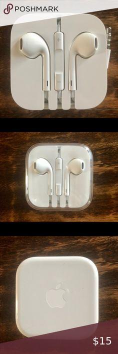 Apple Earpods With 3 5mm Headphone Plug Nwt Headphone Apple Stickers Apple Logo Sticker