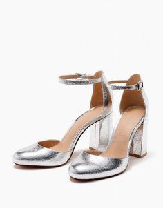 Sapatos de noiva prateados, com tacão