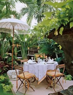 BEAUTIFUL PALM BEACH CHIC BACKYARD DESIGN IDEAS - You can create the ideal atmosphere or presentation with palm tree accessories and other tropical themed accents that will have your guests convinced they landed on an island far, far away. Patio Tropical, Tropical Home Decor, Tropical Houses, Tropical Furniture, Tropical Interior, Tropical Outdoor Decor, Tropical Gardens, Tropical Colors, Tropical Style