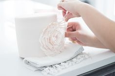 How to DIY a stunning ruffled party cake.